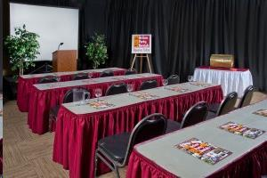 Where to find Tables for Conferences in Allentown